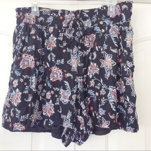 French Laundry 1X Black Floral Shorts